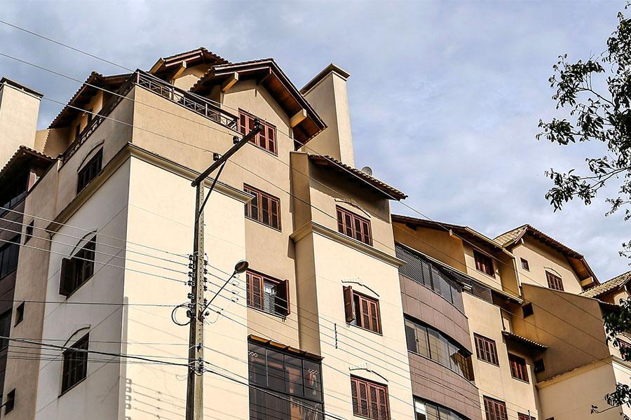 Jogos de telhado em arquitetura residencial